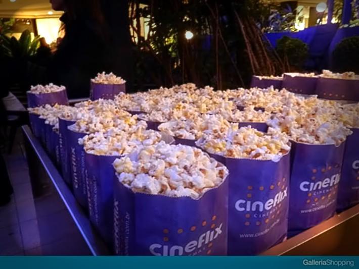 Promoção da rede Cineflix para o Dia dos Namorados