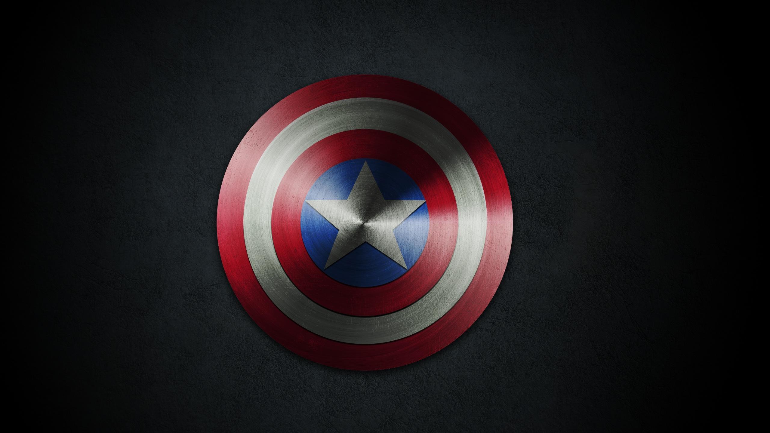 Chris Evans vai voltar a usar o uniforme do Capitão América 4