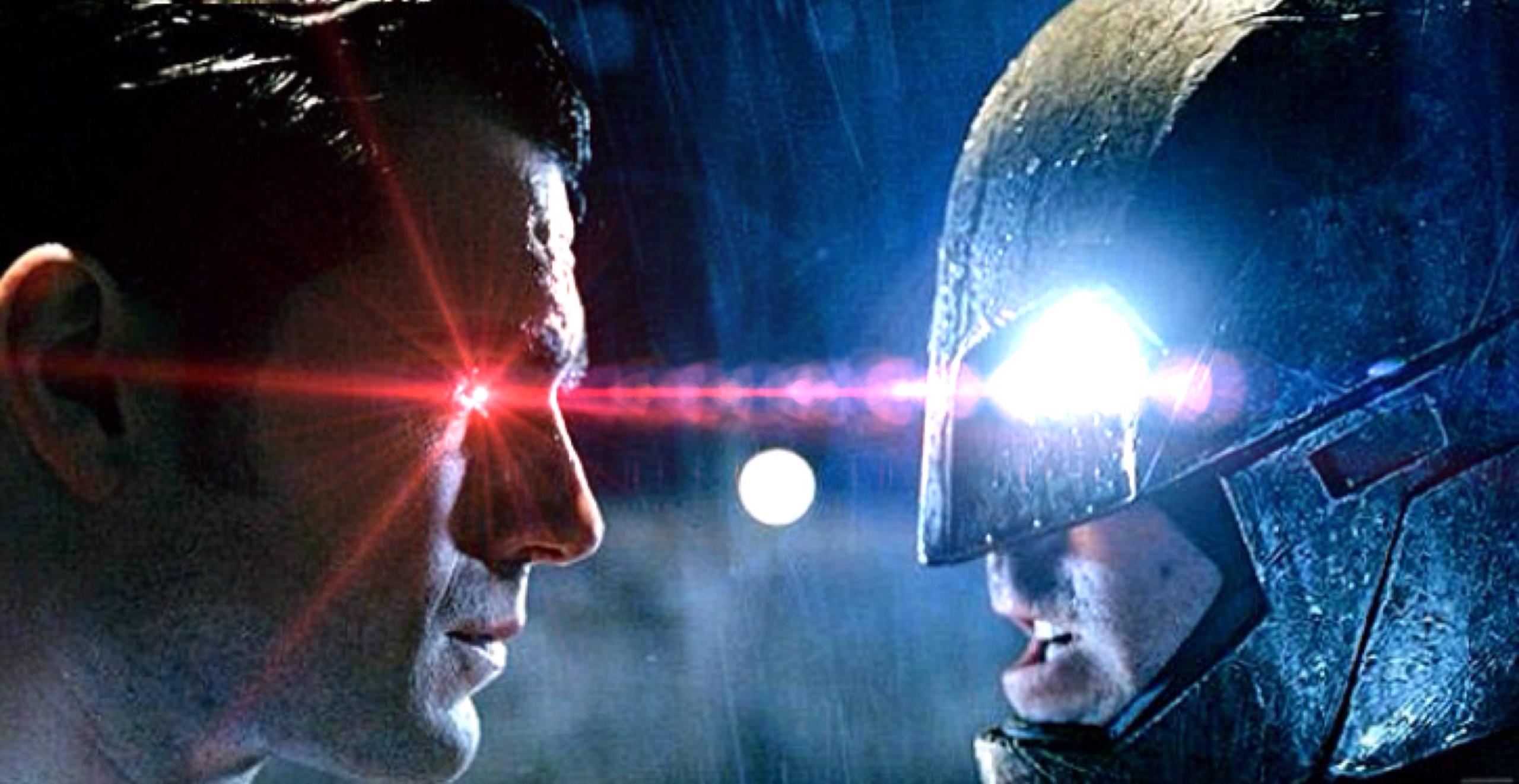 Novas imagens oficiais de Batman v Superman
