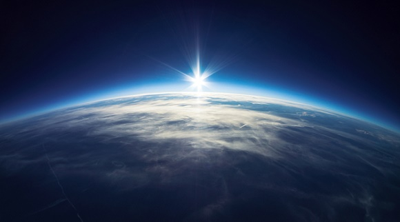 Empresa proporciona espalhar cinzas de entes queridos no espaço 3