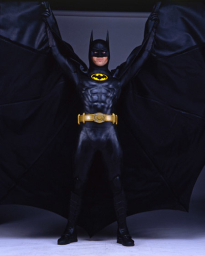 Uniforme original do Batman de 1989 vai a leilão 10