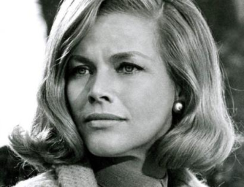 Morre a atriz Honor Blackman