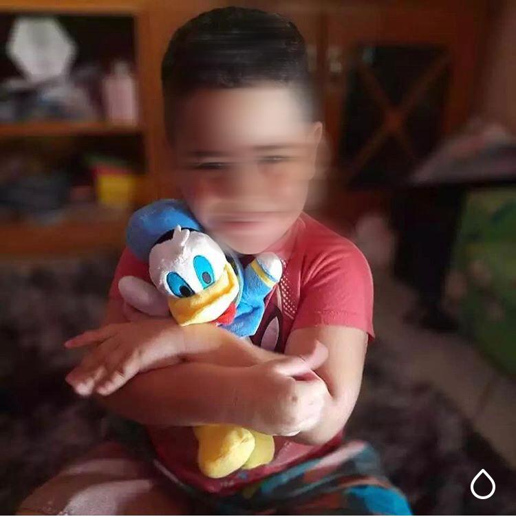 Criança autista recupera seu sorriso graças a uma menininha de 5 anos 5