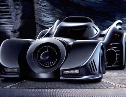 Batmóvel coberto com cristais Swarovski custa R$ 47 mil