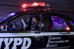 Carros da polícia de Nova York circulam pela cidade de SP 6