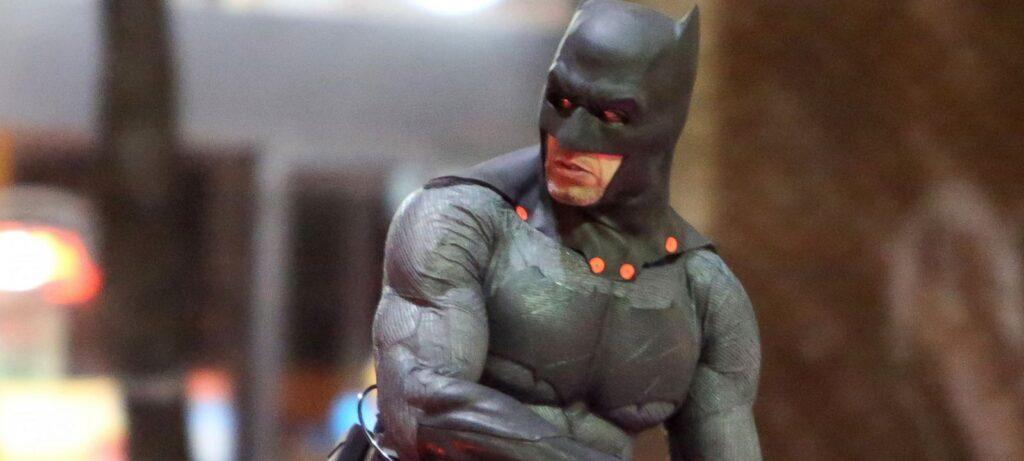 Versão do diretor de 'Esquadrão Suicida' teria mais cenas com o Batman 1