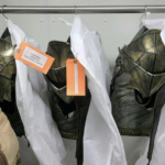 Imagens dos trajes do Adão Negro e Gavião Negro foram divulgadas 8