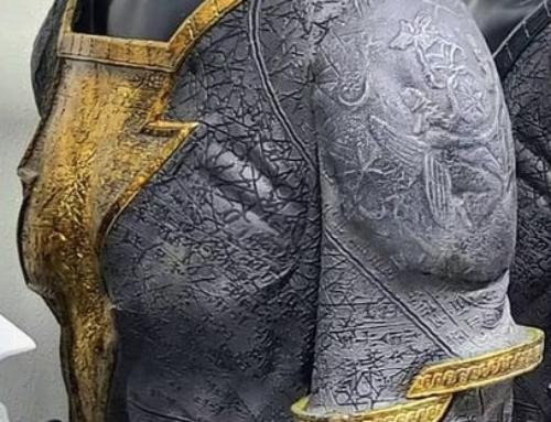 Imagens dos trajes do Adão Negro e Gavião Negro foram divulgadas
