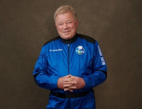 William Shatner, o Capitão Kirk, se torna a pessoa mais velha a ir ao espaço, aos 90 anos